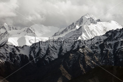 Fototapet Snow mountain range, Leh Ladakh, India