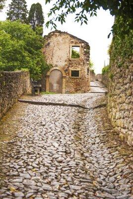 Fototapet Soave, strada al Castello.