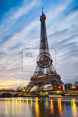 Fototapet Soluppgång vid Eiffeltornet, Paris