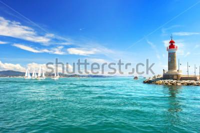 Fototapet St Tropez fyr. vackert medelhavslandskap. franska riviera, Cote d 'Azur, Frankrike
