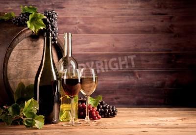 Fototapet Stilla liv av vin med trä fat