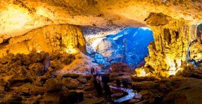 Fototapet Sung Sot Cave i Halong Bay, Vietnam