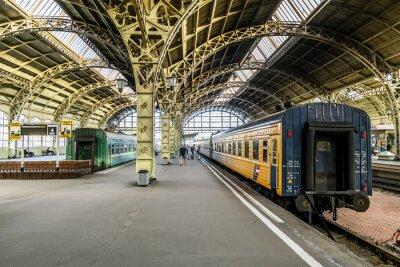 Fototapet Tåg plattformar på Vitebsk järnvägs station.Saint-Petersburg.