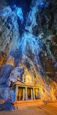 Fototapet Tempel i mitten av en grotta vid Batu grottor tempel komplex i Kuala Lumpur