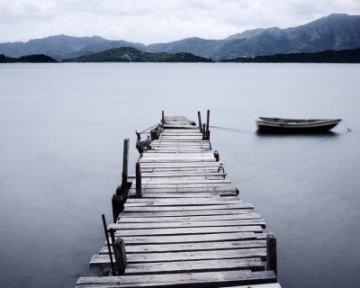 Fototapet titta på brygga och båt, låg mättnad