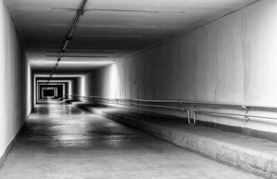 Fototapet Tom tunnel på natten