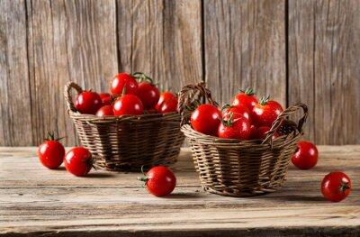 Fototapet Tomater i en korgar