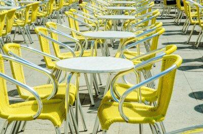 Fototapet Tomma tabeller street cafe