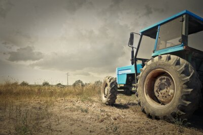 Fototapet Traktor på landsbygden