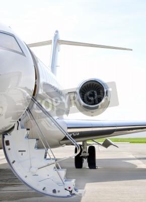 Fototapet Trappor med Jetmotor på en modern privat jetplan - Bombardier Global Express