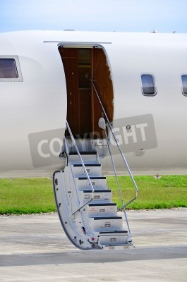 Fototapet Trappor på en lyxig privat jetplan - Bombardier Global Express