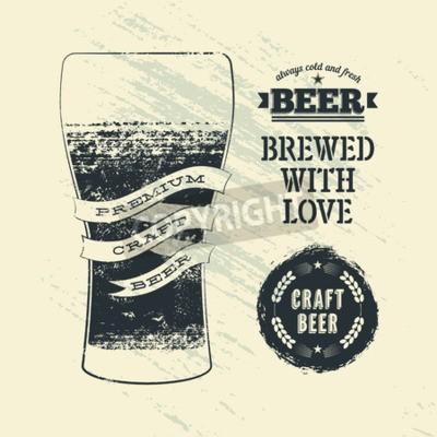 Fototapet Typografi tappning grunge utformar öl affisch med glas öl. Vektor illustration.
