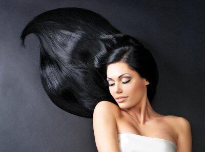 Fototapet Vacker kvinna med långt rakt hår