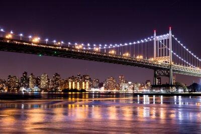 Fototapet Vacker natt utsikt över New York City och 59th Street Ed Koch Bridge ser över Manhattan.
