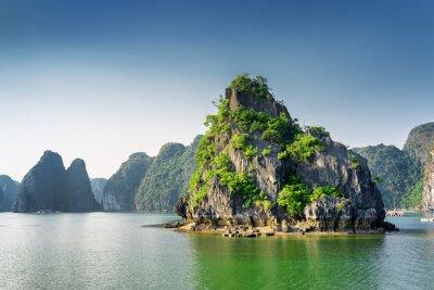 Fototapet Vacker utsikt över Ha Long Bay, Sydkinesiska havet, Vietnam