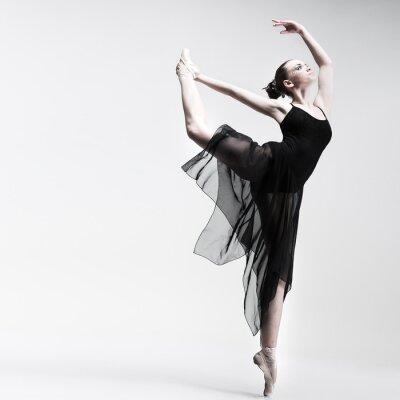 Fototapet Vackra balettdansös posera studio för bakgrunds