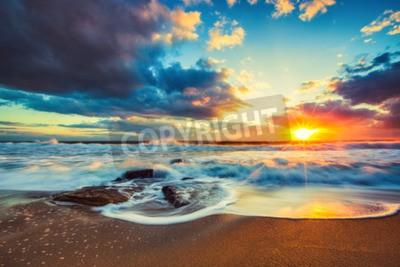 Fototapet Vackra Cloudscape över havet, soluppgång skott