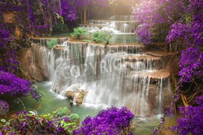 Fototapet Vackra vattenfall i höst skog, djup skog vattenfall, Kanchanaburi, Thailand