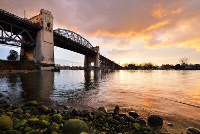 Fototapet Vancouver historiska Burrard Bridge på vintern solnedgång