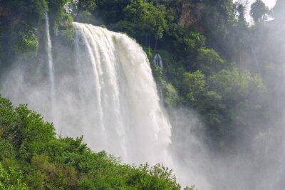 Fototapet Vattenfall i Italien