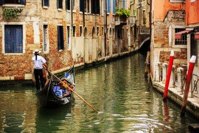 Fototapet Venedig, Italien - Gondolier och historiska tenements