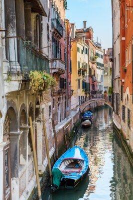 Fototapet Venedig. urban canal