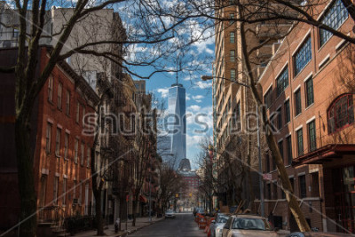 Fototapet View of One World Trade Center from Soho in New York City on a warm winter morning