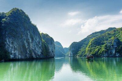 Fototapet Vy över lagunen i Ha Long Bay, Sydkinesiska havet, Vietnam