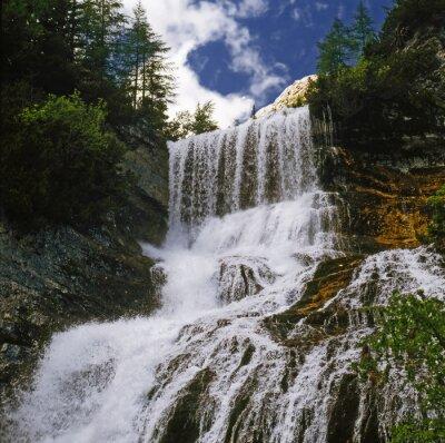 Fototapet watterfall 01 / Mountain vattenfall i Dolomiterna - Norditalien