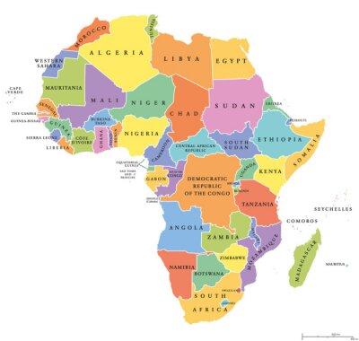 Väggdekor Afrika enda påstår politiska kartan. Varje land med sin egen färgområde. Med de nationella gränserna på vit bakgrund. Kontinenten inklusive Madagaskar och önationer. Engelska märkning.