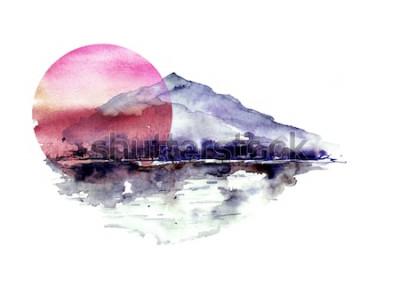 Väggdekor Akvarellberglandskap, blå, lila berg, topp, skogskontur, reflektion i floden, röd solnedgångssol. På vit isolerad bakgrund. På vit isolerad bakgrund.