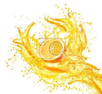 Väggdekor Apelsinjuice stänk med dess frukter isolerad på vitt
