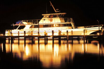 Väggdekor Båt på natten / Båt och reflektion i Jupiter, Florida