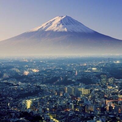Väggdekor Berget Fuji. Fujiyama. Flygfoto med cityspace overkligt skott. J
