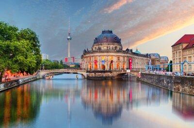 Väggdekor Berlin, Bode museum med reflektion i Spree, Tyskland
