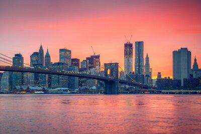 Väggdekor Brooklyn bridge och Manhattan i skymningen