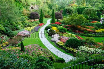 Väggdekor butchart trädgård på våren, victoria, brittiska columbia, canada