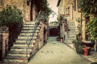 Väggdekor Charmiga gamla medeltida arkitektur i en stad i Toscana, Italien.