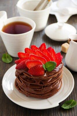 Väggdekor Choklad pannkakor med choklad grädde och jordgubbar.