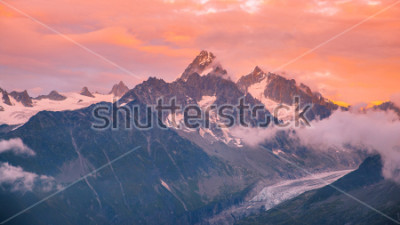 Väggdekor Cloudy Sunset over Iconic Mont-Blanc Mountains Range and Glaciers