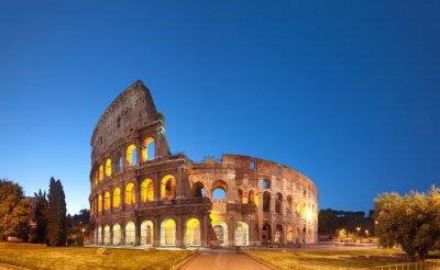 Väggdekor Colosseum på natten .Rome - Italien