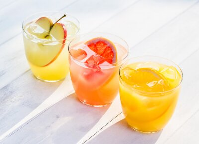 Väggdekor Färsk fruktjuice från apelsiner äpplen rosa grapefrukt
