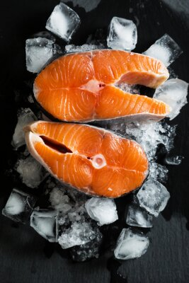Väggdekor Färska bitar av lax på is