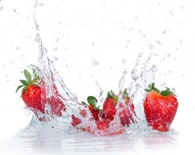 Väggdekor Färska jordgubbar med vattenstänk