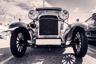 Väggdekor Framifrån av klassisk bil. Gammal stil. Svartvitt.