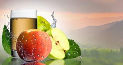 Väggdekor Green Apple och persika med ett glas juice.