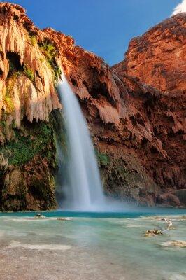 Väggdekor Havasu nedgångar vid solnedgången, vattenfall i Grand Canyon, Arizona