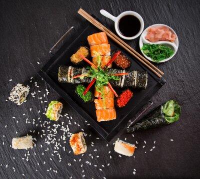 Väggdekor Japansk fisk och skaldjur sushi uppsättning