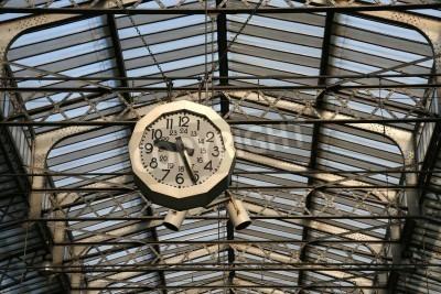 Väggdekor Järnvägsstationen klockan i Paris. Gare de l'Est.