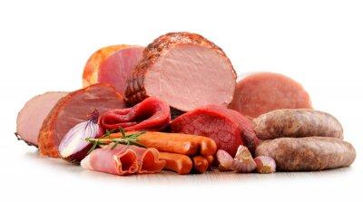 Väggdekor Köttprodukter, inklusive skinka och korv isolerat på vit